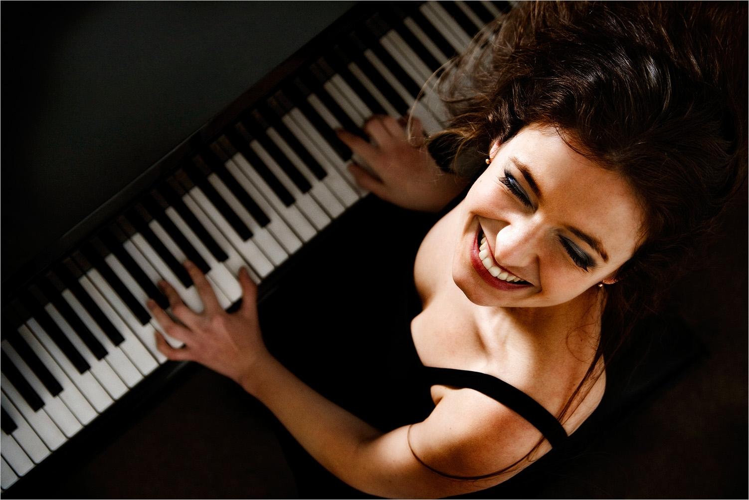 обучение игре на клавишных инструментах